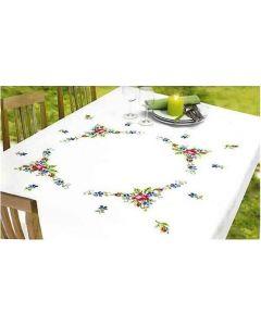 Borduurpakket tafelkleed rozen en violen met telpatroon van Permin 58-9571