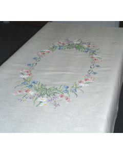 Voorbedrukt tafelkleed bloemencirkel van Permin 58-2816R