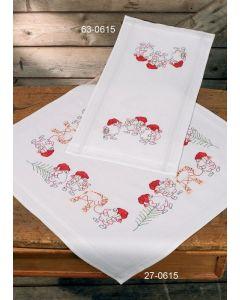 Voorbedrukt tafelkleed kerst elfen in platsteek 80x80 cm van Permin 27-0615