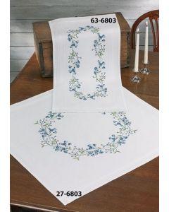 Voorbedrukt tafelkleed blauwe bloemen in platsteek 80x80 cm van Permin 27-06803