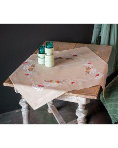 Borduurpakket tafelkleed roodborstjes in de winter van Vervaco pn-0187116 voorbedrukt