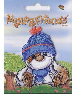 Mylo & Friends zittend met blauwe sjaal en muts applicatie