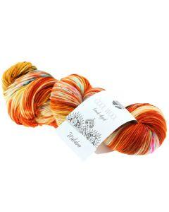 Lana Grossa Cool Wool Hand-Dyed kleru 101 iseenuniek handgeverfde strengvan 100% merinos wol voor naalden 3.0-3.5mm. Cool Wool is een bekende vertrouwde draad die al in effen en gemêleerde kleuren is maar nu ook is uitgebreid met de hand geverfde stren