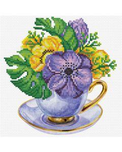 Voorbedrukt borduurpakket paarse kop met bloemen op aida Needleart World 250.002