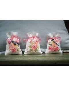 Vervaco borduurpakket kruidenzakje 3 st. meesjes in bloesems pn-0182726