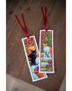 Vervaco borduurpakket 2 boekenleggers poezen tussen bloemen borduren PN-0183610