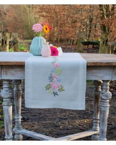 Vervaco borduurpakket tafelloper bloemen en blaadjes pn-0170760 voorbedrukt