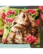 Vervaco borduurpakket kruissteek kussen Poes in bloemenveld  pn-0155961