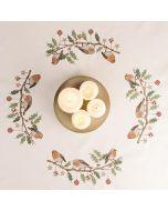 Voorbedrukt tafelkleed kerst krans met roodborstjes van Rico om te borduren 90x90cm  31211.52.21