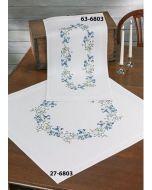 Voorbedrukte loper blauwe bloemen in platsteek 40x80 cm van Permin 63-6803